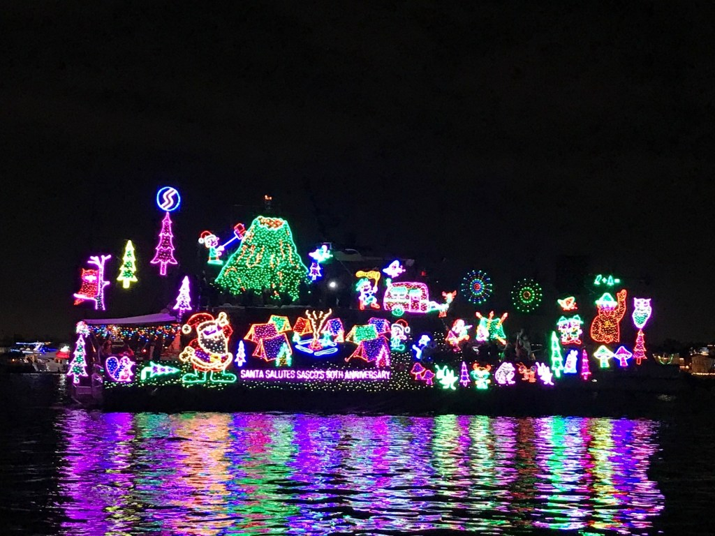 Festive-boat-in-the-Newport-Beach-Boat-Parade.jpg
